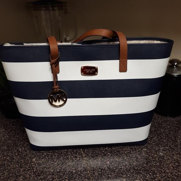 273a95a21e60 Michael Kors Bags | Jet Set Stripe Tote | Poshmark